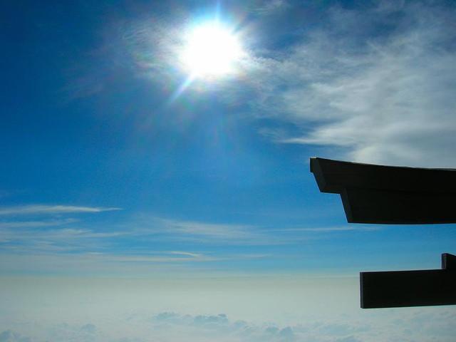 鳥居と太陽と雲海と~