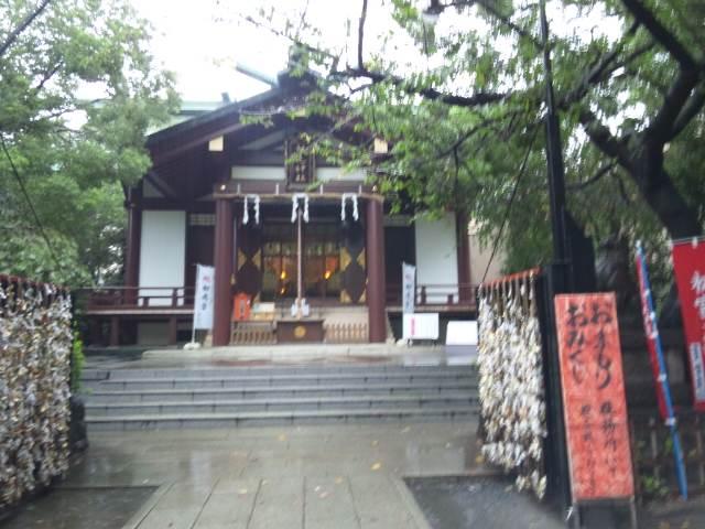 雨の稲毛神社