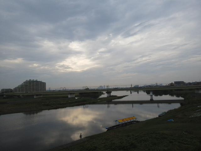 雨の多摩川大橋